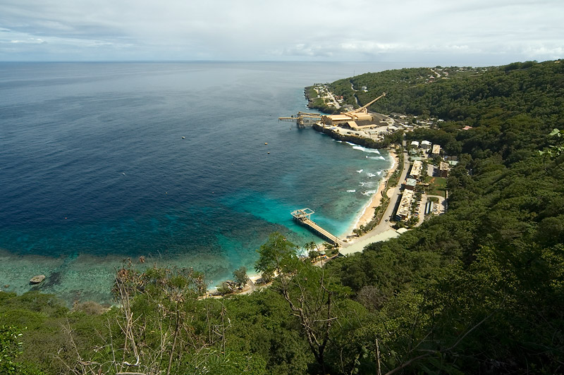 Christmas island flying fish cove for Flying fish cove christmas island